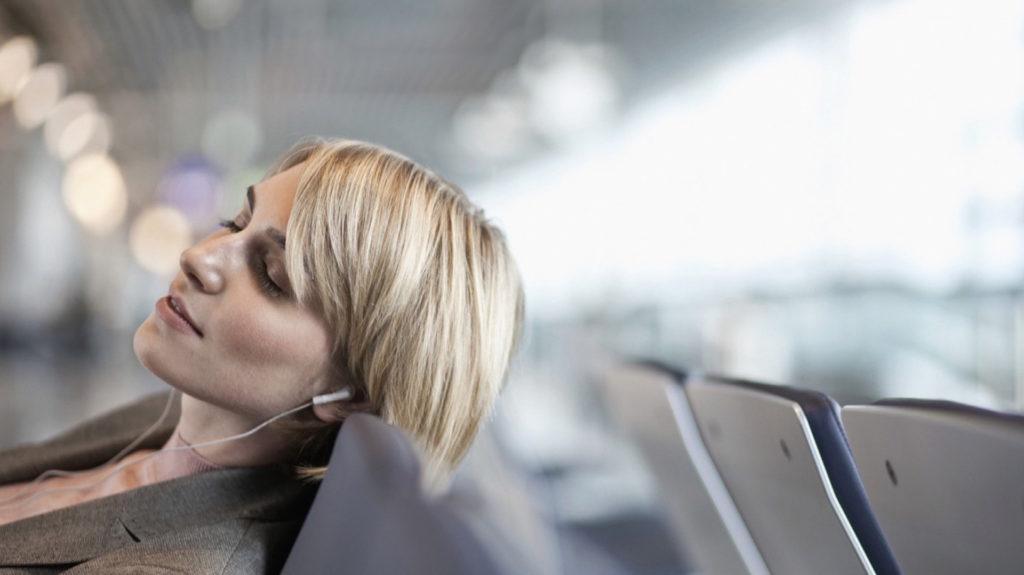 Aerolíneas Argentinas dejará de ofrecer servicio de comida en vuelos domésticos menores a dos horas