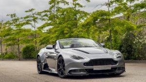 El impactante Aston Martin Vantage GT12 Roadster en imágenes
