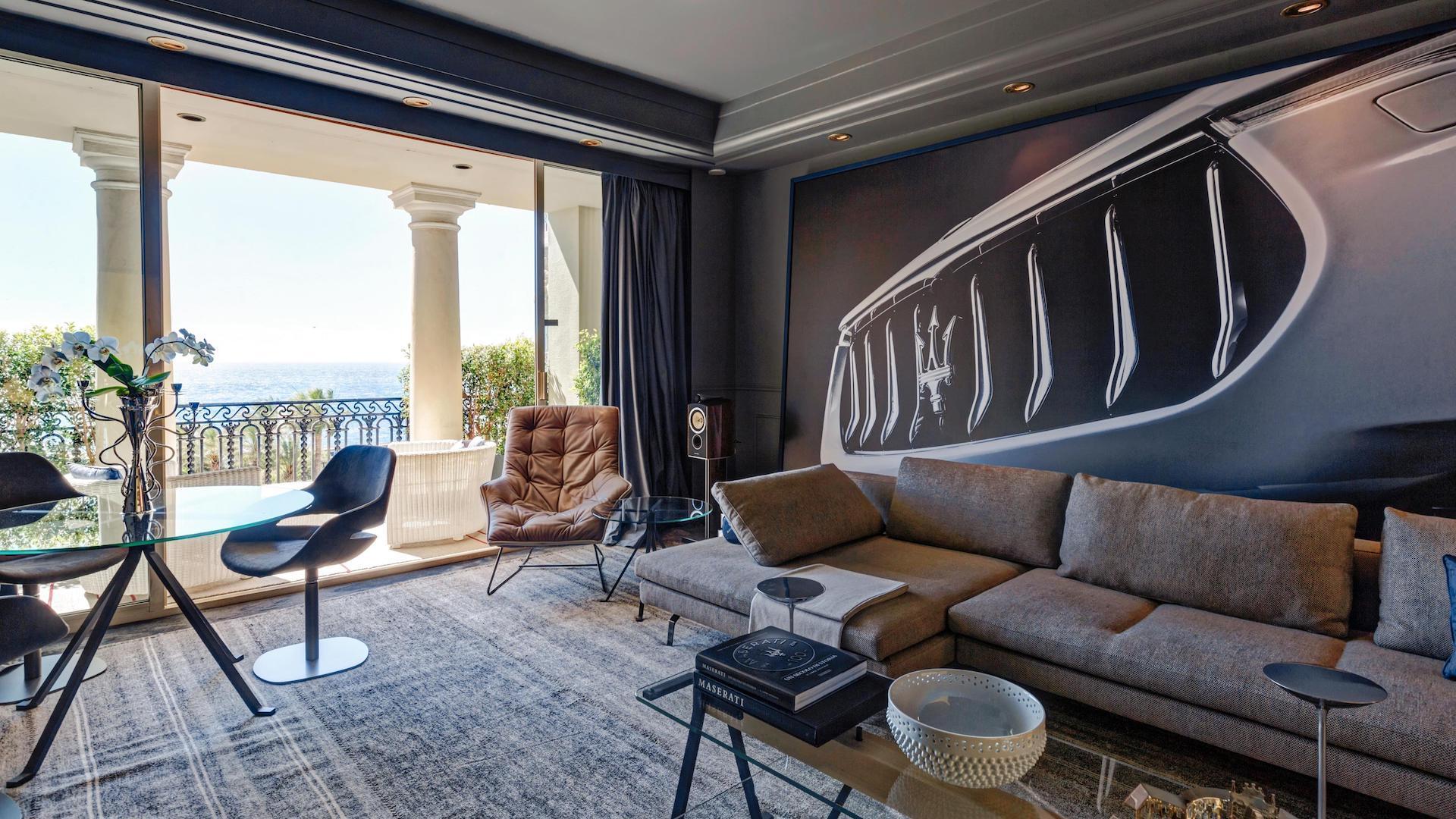Para amantes de Francia y los autos: una noche de lujo en una habitación temática Maserati. ¿Cuánto cuesta alojarse?