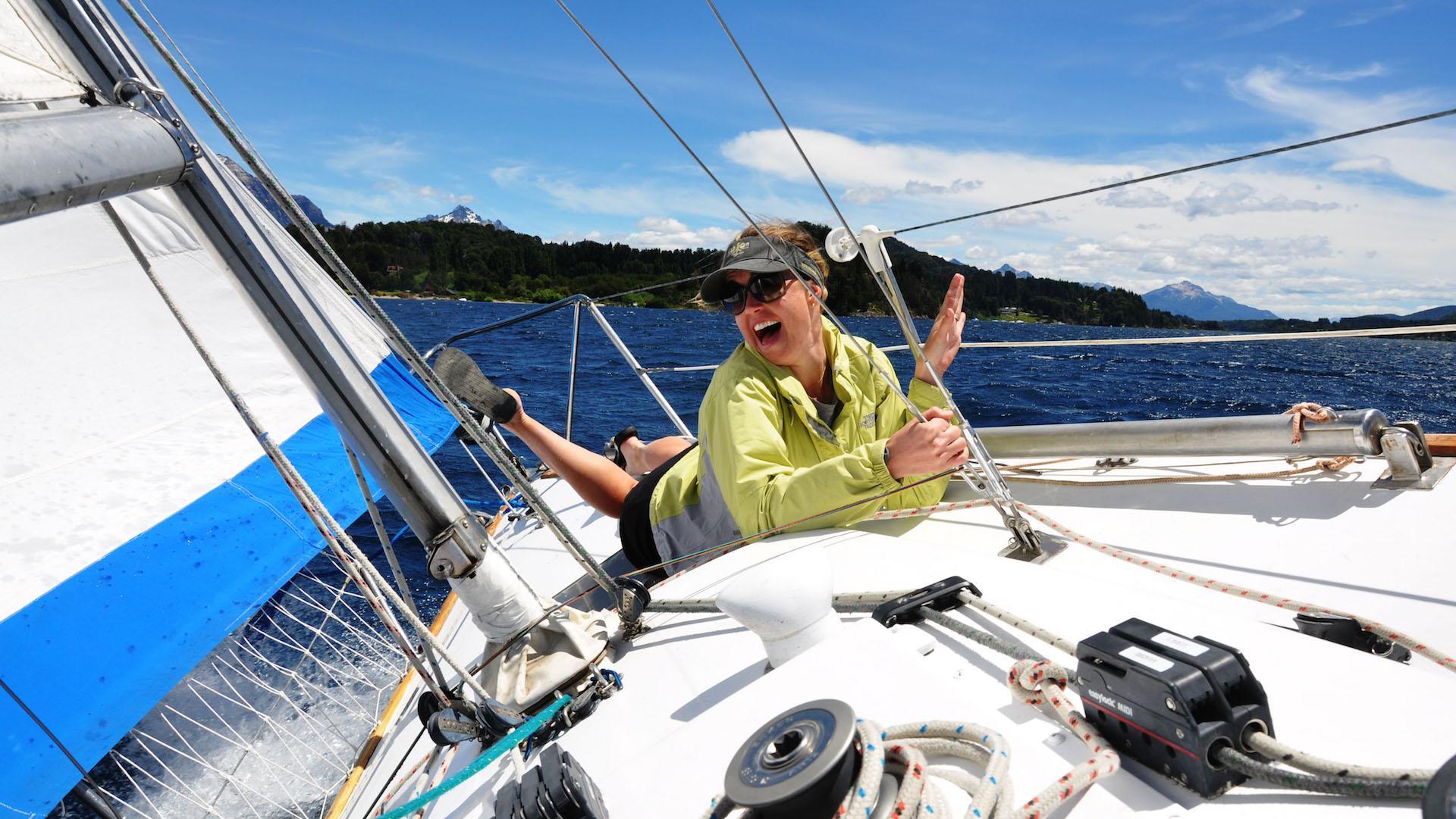 Turismo en Bariloche: navegar en velero por el lago Nahuel Huapi