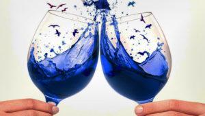 Llegó el vino azul y busca conquistar al mundo
