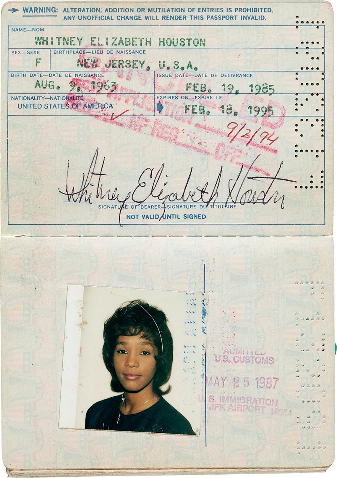 whitneyhouston-pasaporte-050616
