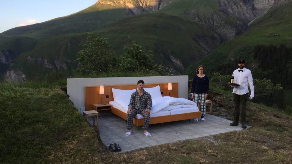 Dormir bajo las estrellas, la propuesta del hotel más original en los Alpes suizos