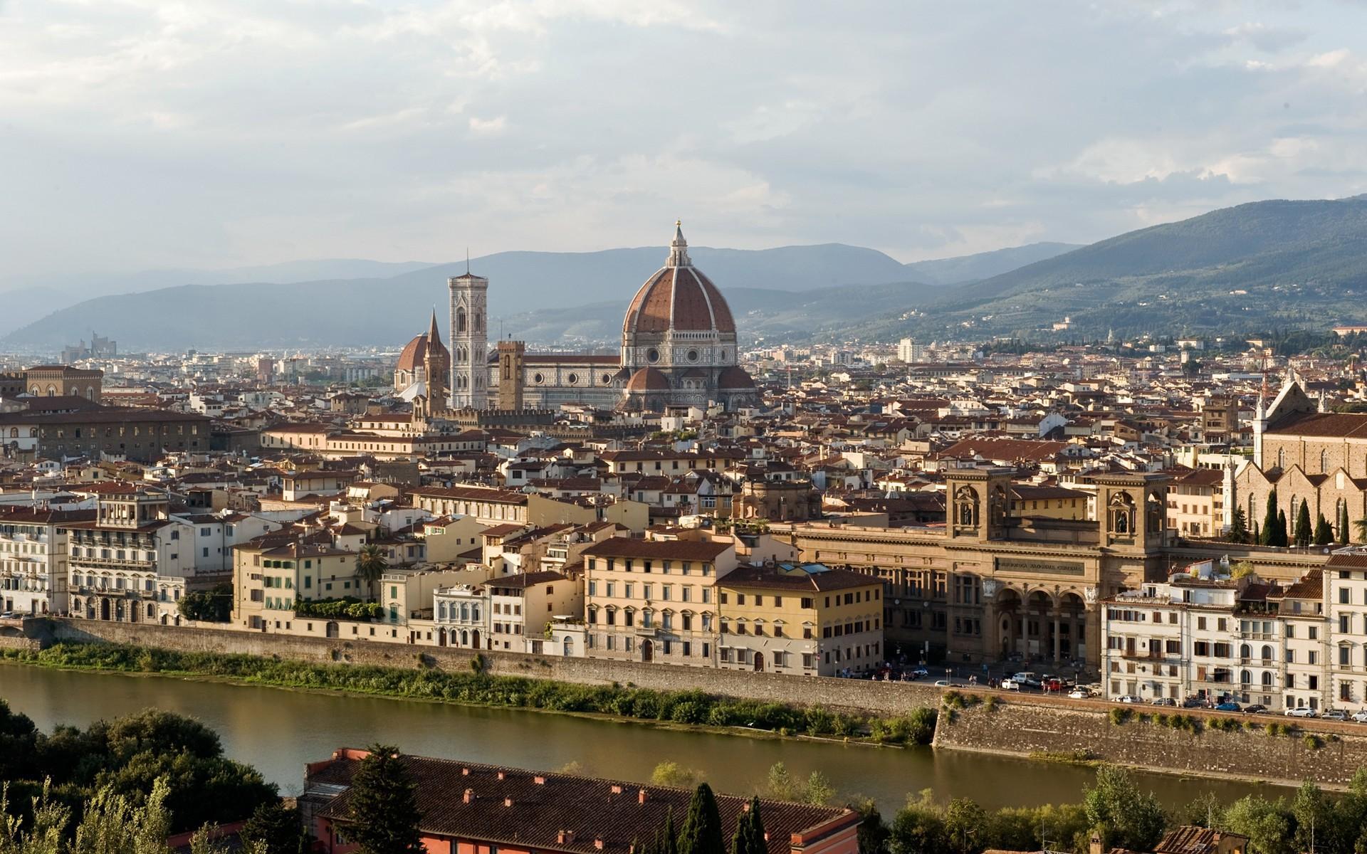 Multas de hasta € 500 por comer en las calles de Florencia