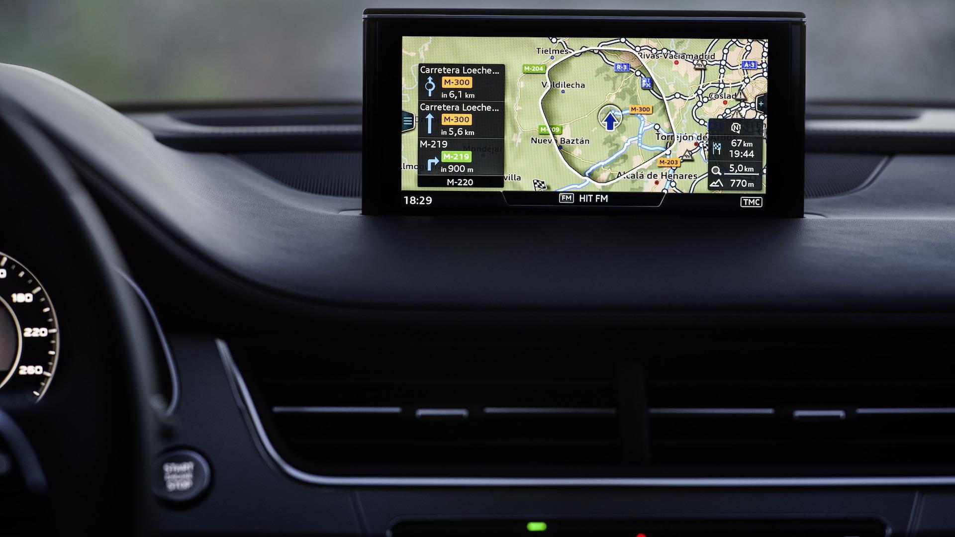 Audi lanza tecnología que permite saber cuánto hay que aguardar para que el semáforo de luz verde