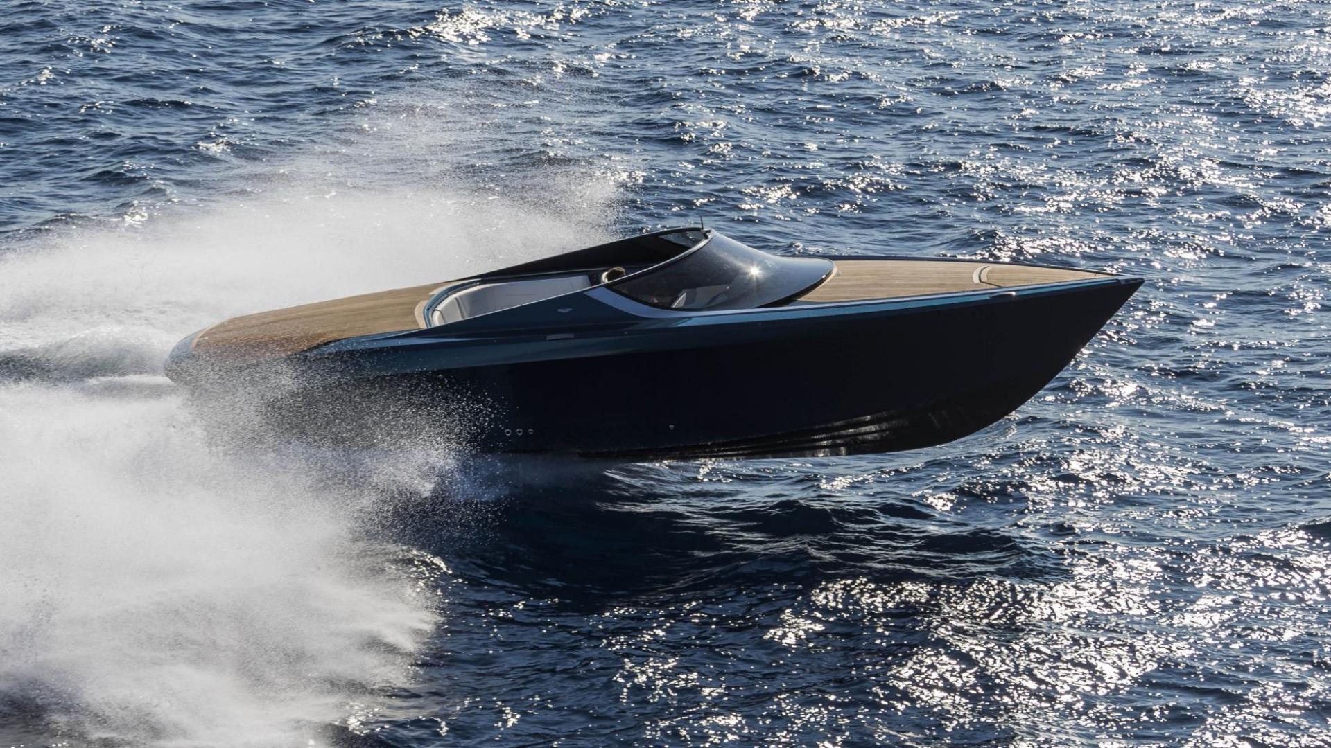 astonmartinpowerboat4