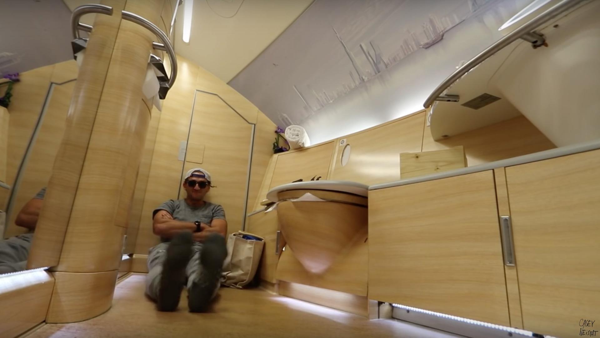 VIDEO Cómo es volar en la Primera Clase de Emirates: U$S 21 mil