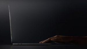 Así es, en detalle, la nueva MacBook Pro con Touch Bar