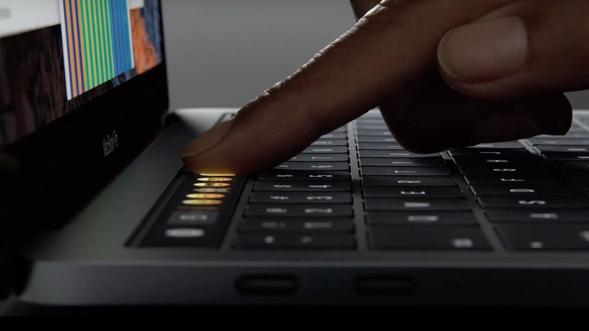 macbook-pro-touch-bar-28102016-in2