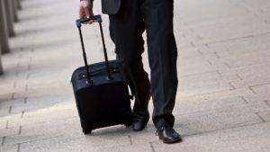 Aerolíneas Argentinas incrementa el peso permitido en las valijas o bolsos de mano en sus vuelos domésticos