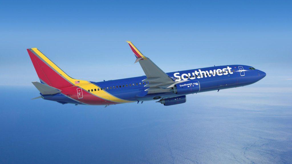 Una línea aérea anunció que dejará de sobrevender pasajes