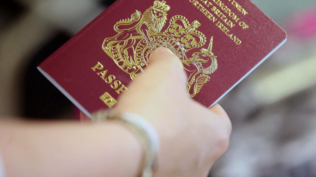 Las aerolíneas ahora deberán informar los datos de los pasajeros antes de salir o ingresar de Argentina