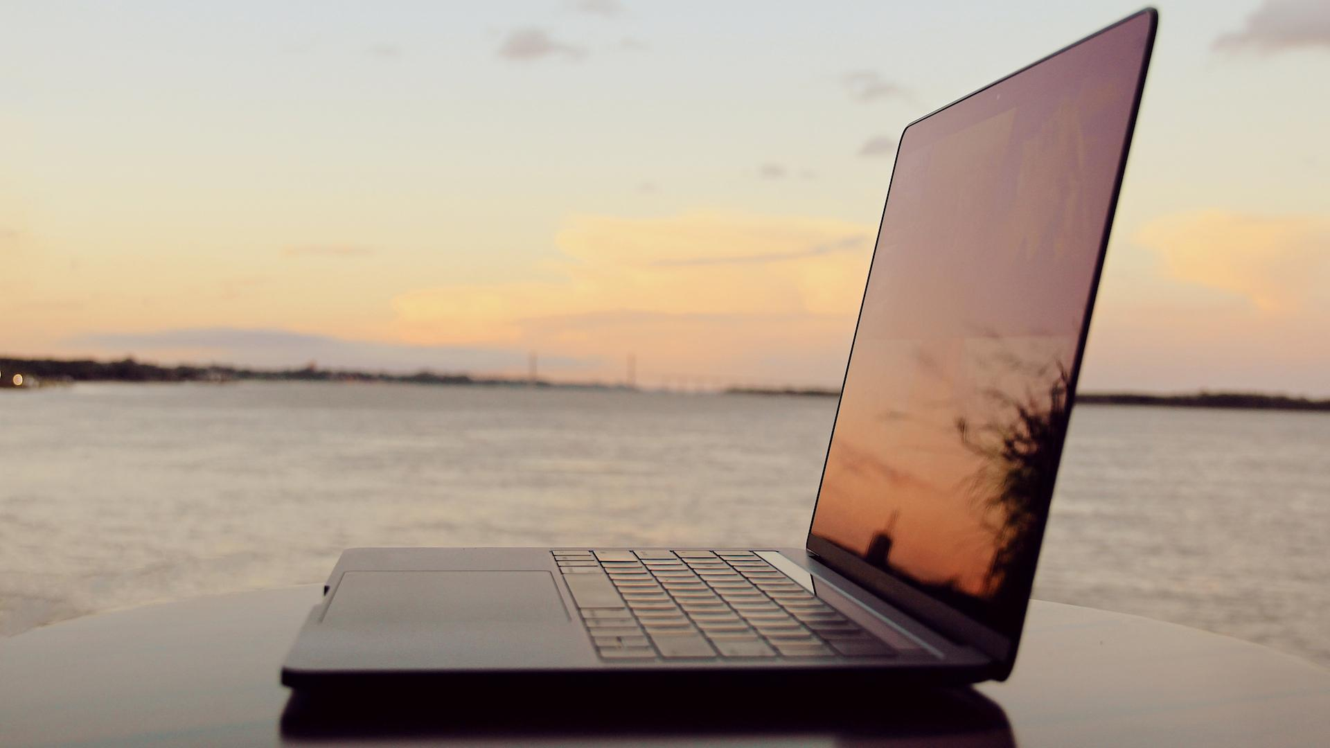 [Review] La nueva MacBook Pro con Touch Bar: pasos para adelante y para atrás