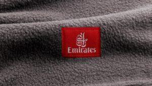 Las nuevas mantas de Emirates están hechas con 28 botellas recicladas