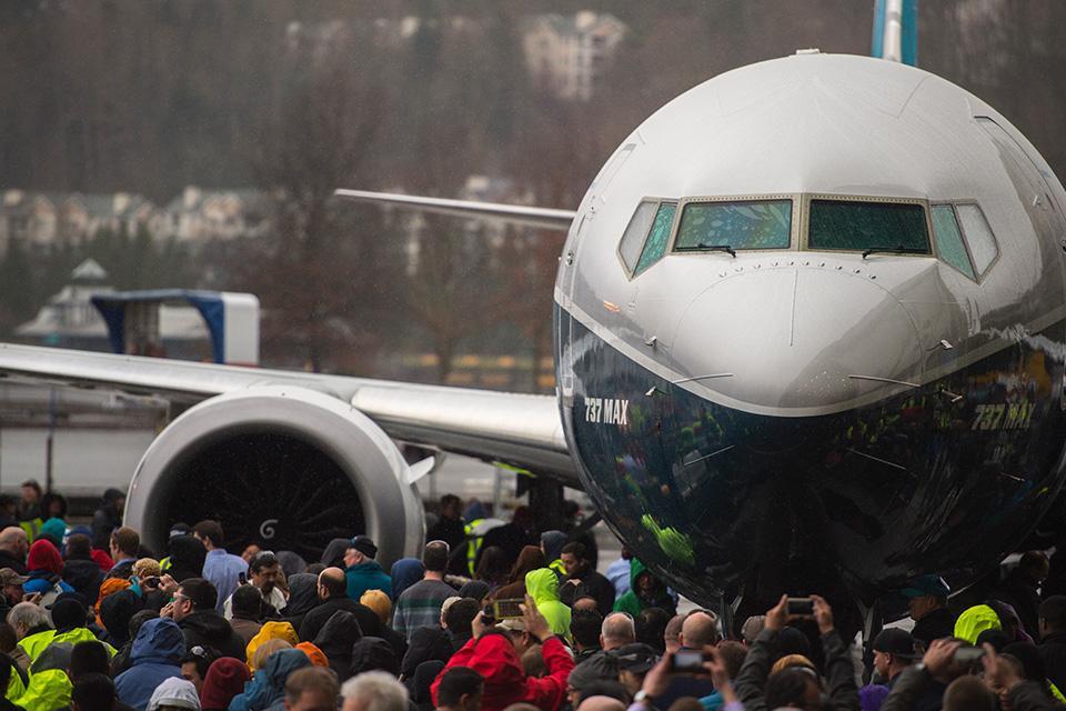 Boeing presentó el primer 737 MAX 9