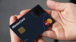 La nueva tarjeta de MasterCard tiene lector de huellas