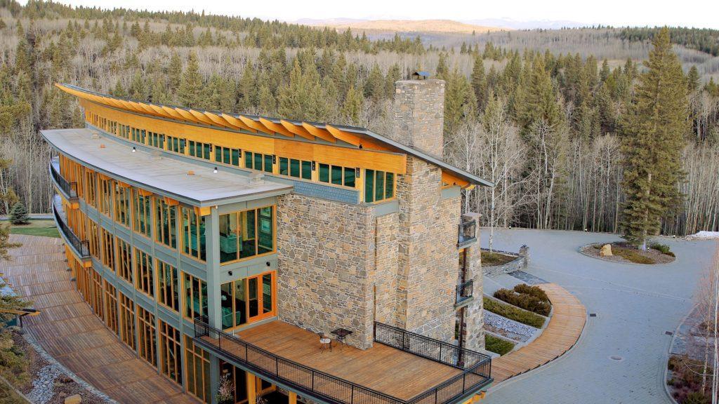REVIEW Azuridge Estate Hotel nos transporta a un viaje de ensueño en el corazón de Alberta