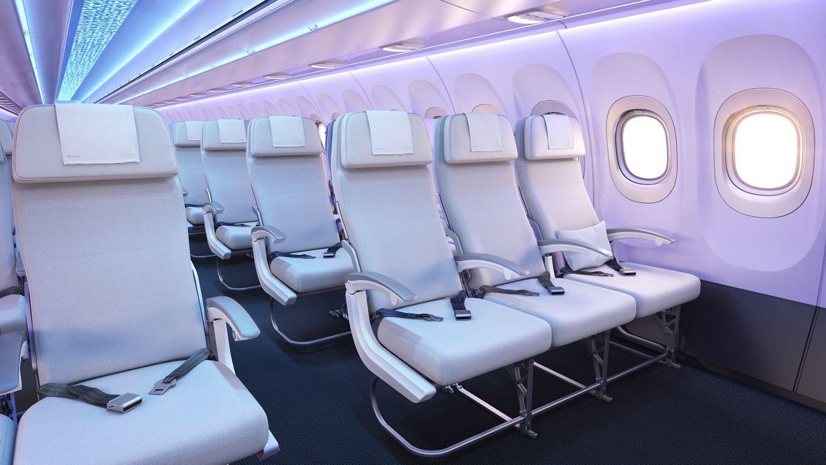 Una mujer intentó abrir la puerta del avión en pleno vuelo