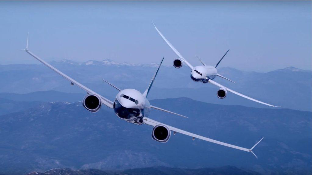 El impactante video de un Boeing 787-10 y un 737 MAX 9 volando juntos