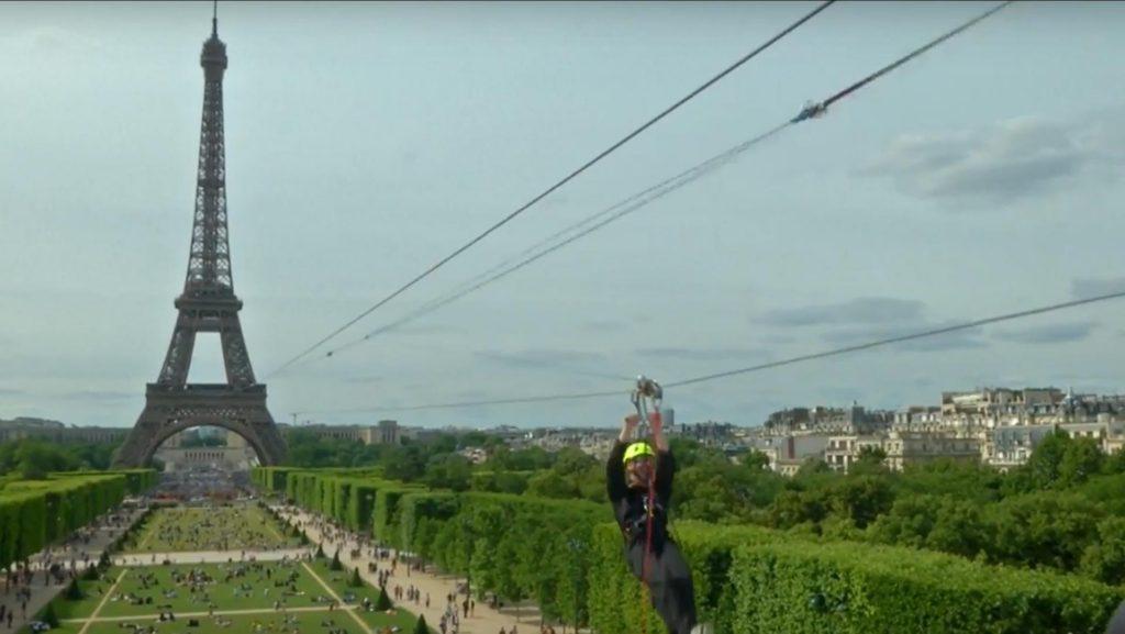La nueva (y divertida) forma de descender desde la torre Eiffel
