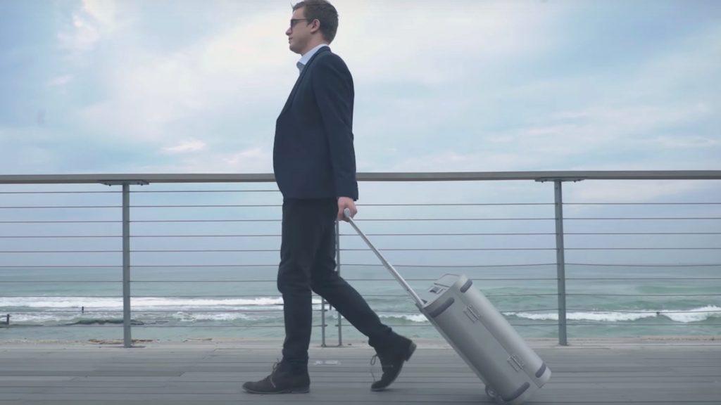Samsara: la valija que nos avisa si alguien quiere abrirla o si se aleja de nosotros. Incluso permite cargar un celular via USB