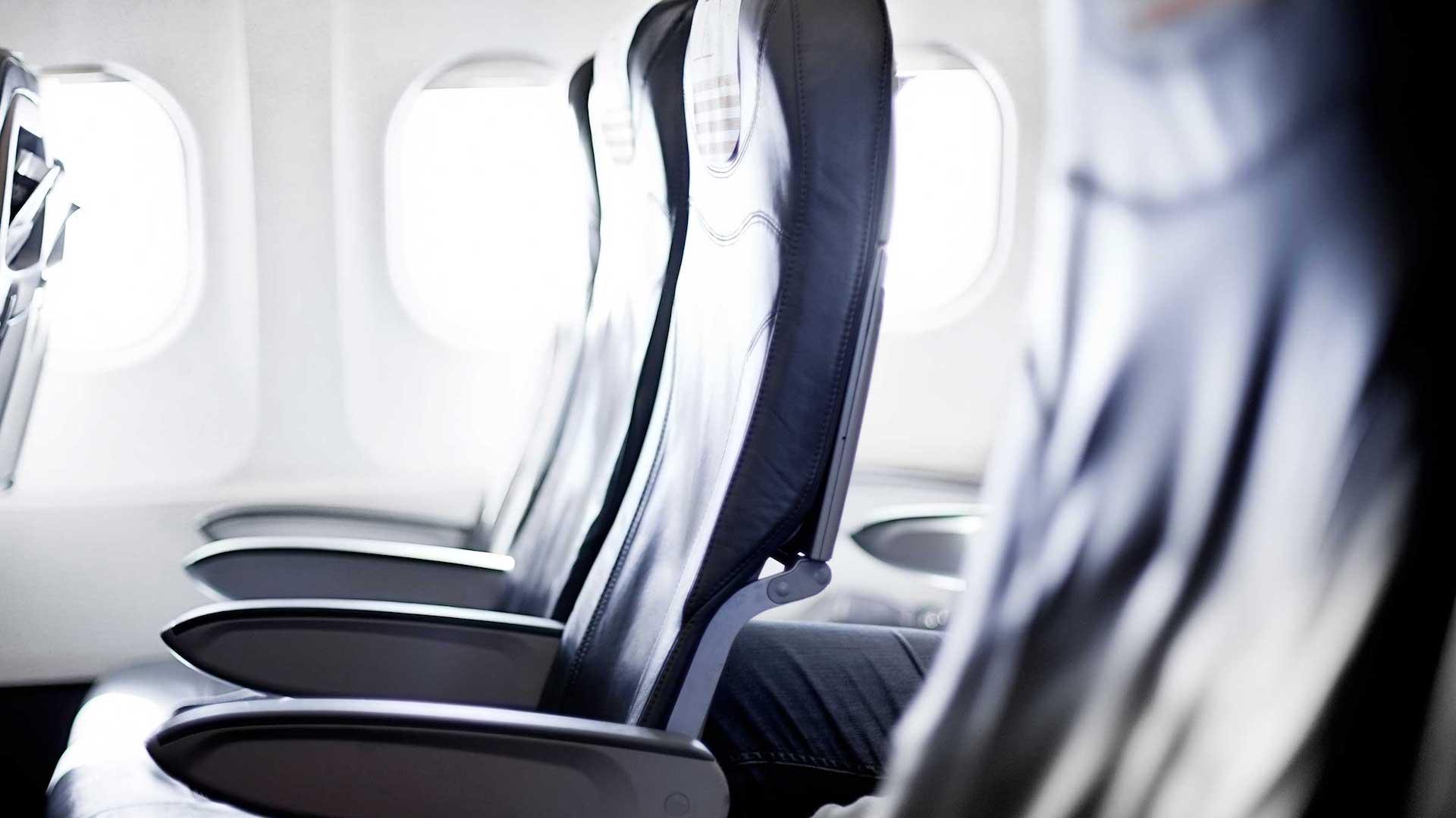 ¿Cuál es el asiento más seguro en un avión?