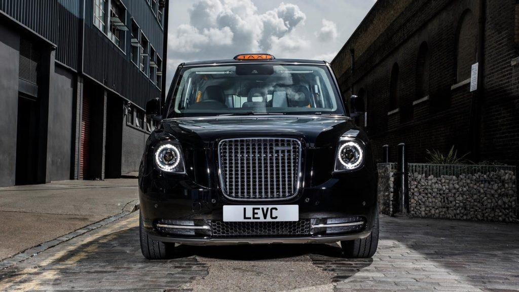 Los nuevos taxis negros de Londres serán eléctricos desde este año