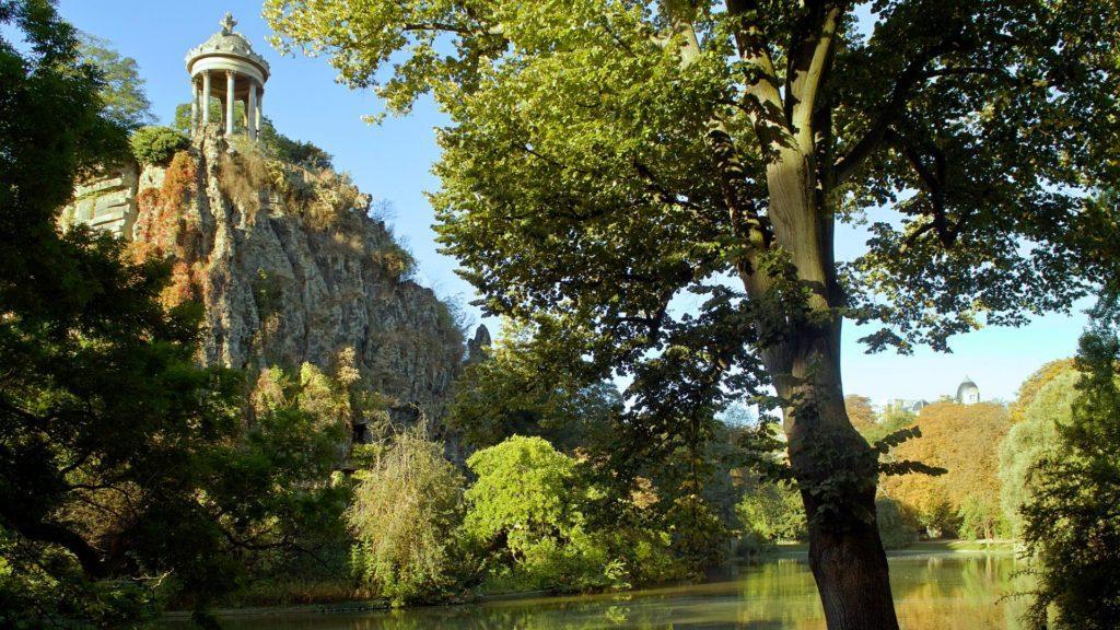 París abre sus parques 24 horas, porque el verano lo amerita