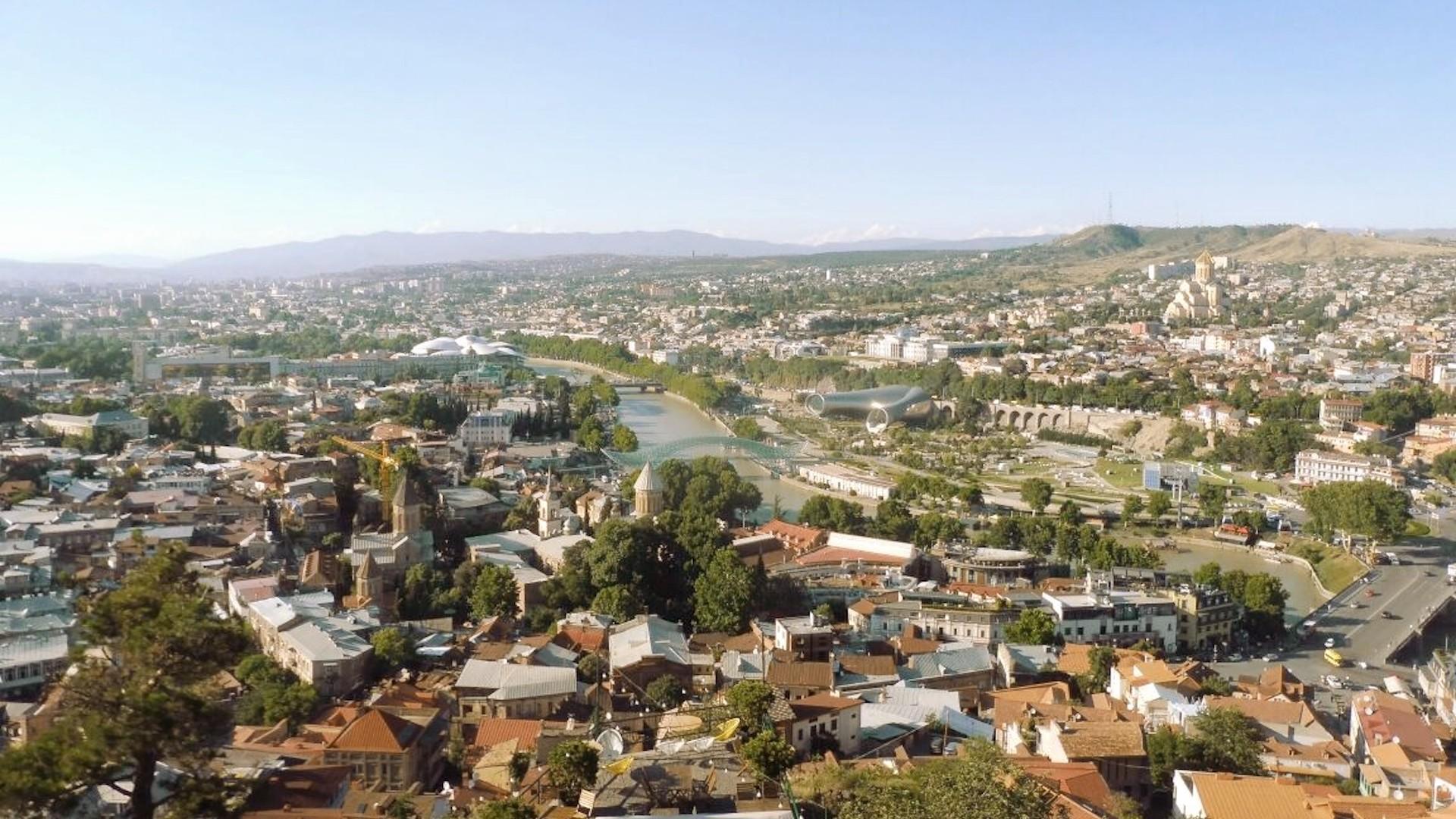 Así es Tiflis, la capital de Georgia, nombrada como La California del Cáucaso