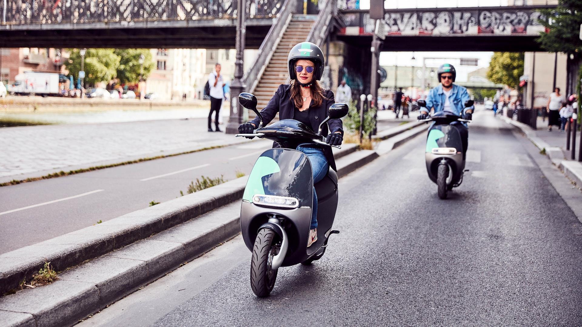 París presenta 600 nuevos scooters eléctricos (ideales para turistas)