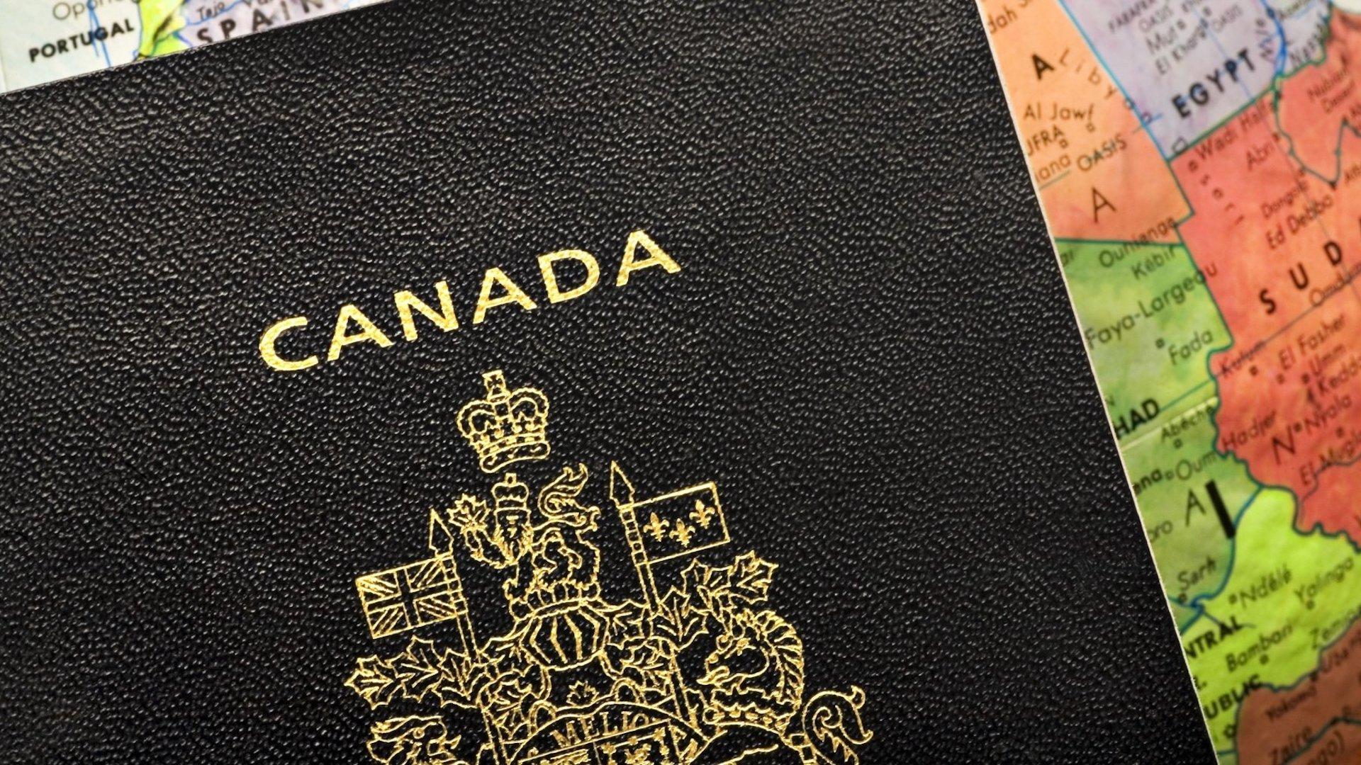 El pasaporte canadiense tendrá tres opciones de género: M, F y X