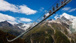 Inauguró el puente colgante peatonal más largo del mundo