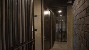 El nuevo hostel-prisión de Bangkok nos hace dormir tras las rejas