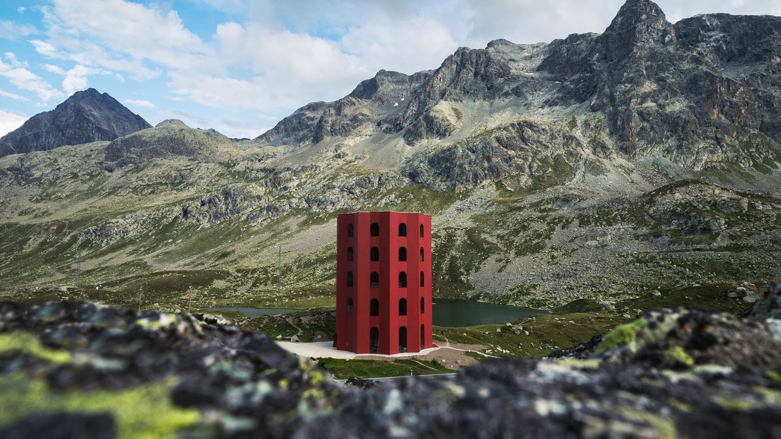 Un original teatro en medio de la montaña en Suiza