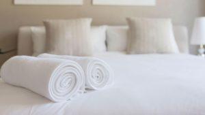 La razón que hizo que los huéspedes de un hotel vuelvan a usar su toalla