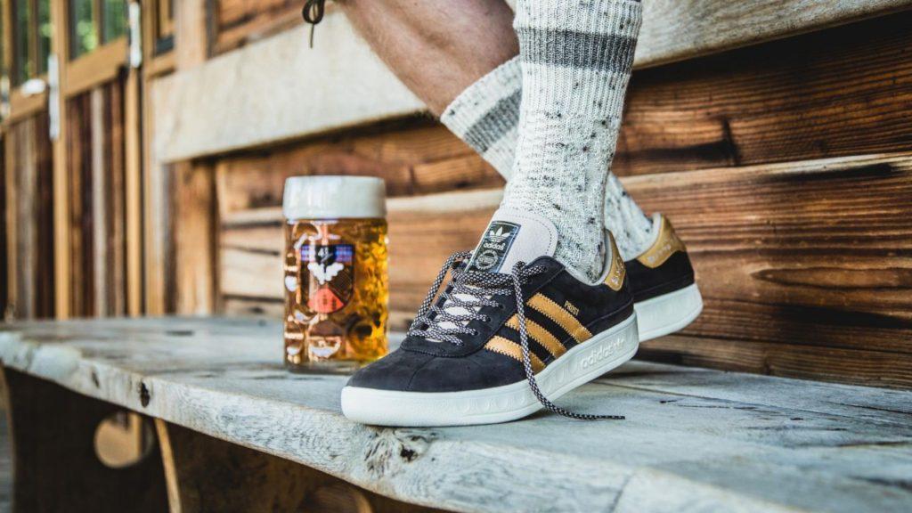 Adidas lanzó un calzado para Oktoberfest que repele la cerveza