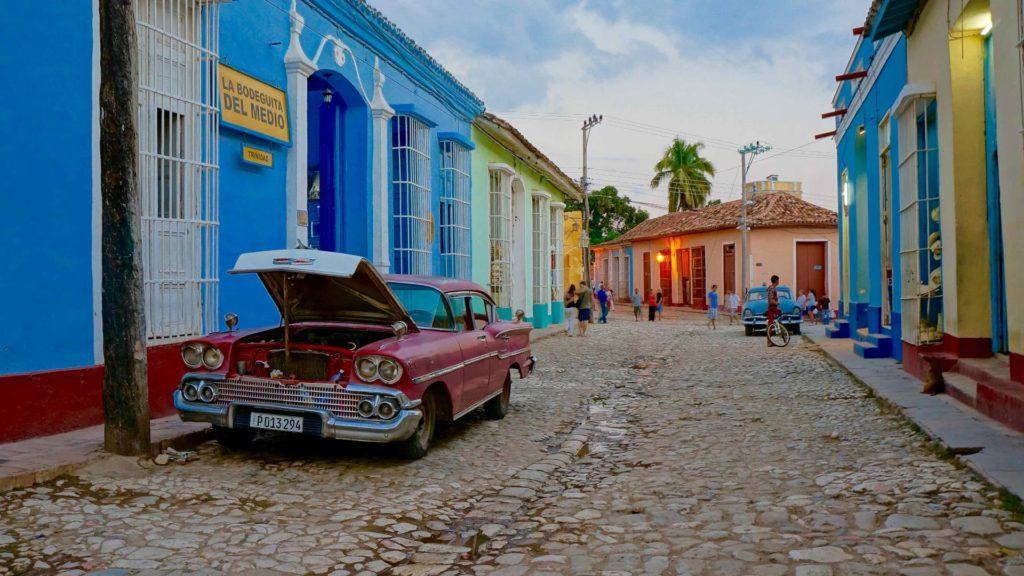Estados Unidos advierte a sus ciudadanos que no visiten Cuba y ordena el retiro de miembros de la embajada