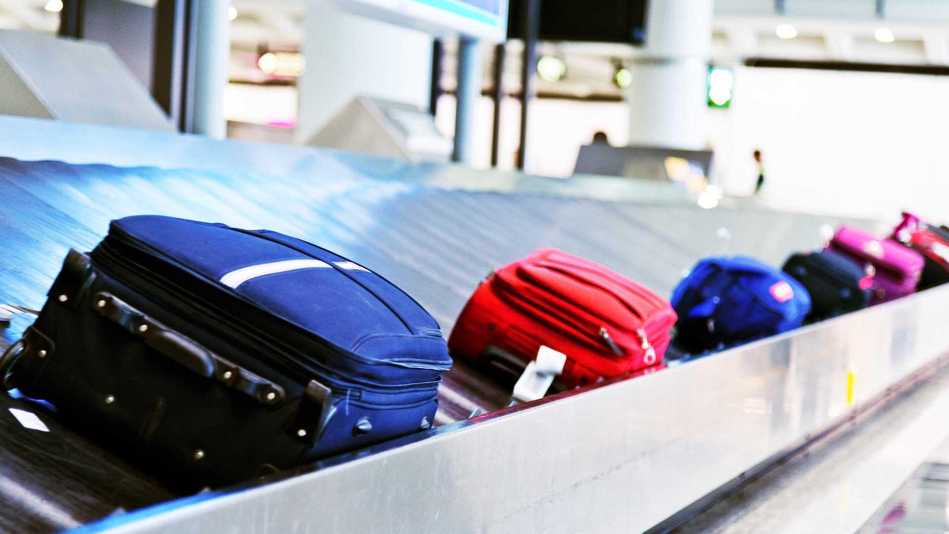 La particular historia de una maleta con un cartel de Bomb que viajó de India a Australia