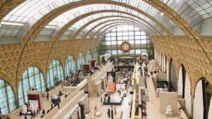 ¿Cuál es la ciudad en donde los turistas hacen más shopping?