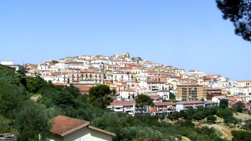 Un pintoresco pueblo italiano nos paga para mudarnos allí
