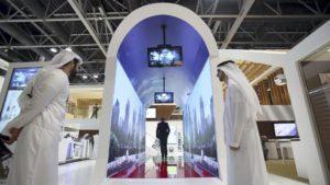 Dubái escaneará nuestro rostro en movimiento al pasar por un túnel en el aeropuerto