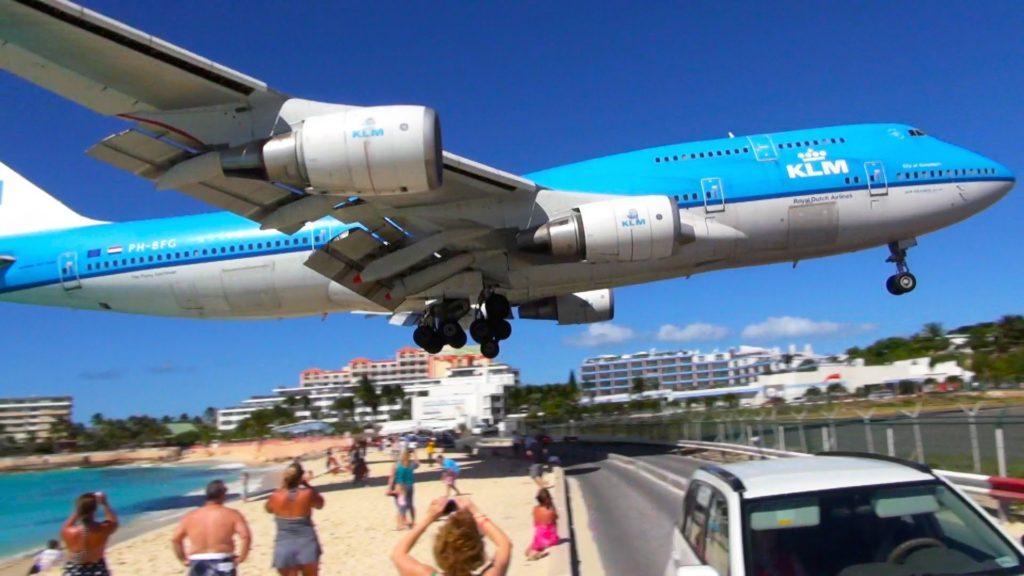 [Video] Reabre el famoso aeropuerto de St. Marteen