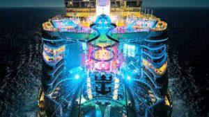 El crucero más grande del mundo a punto de partir desde Barcelona