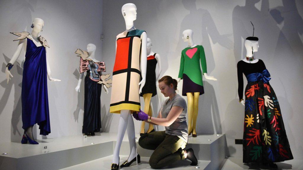 Abre el museo de Yves Saint Laurent (YSL) en París