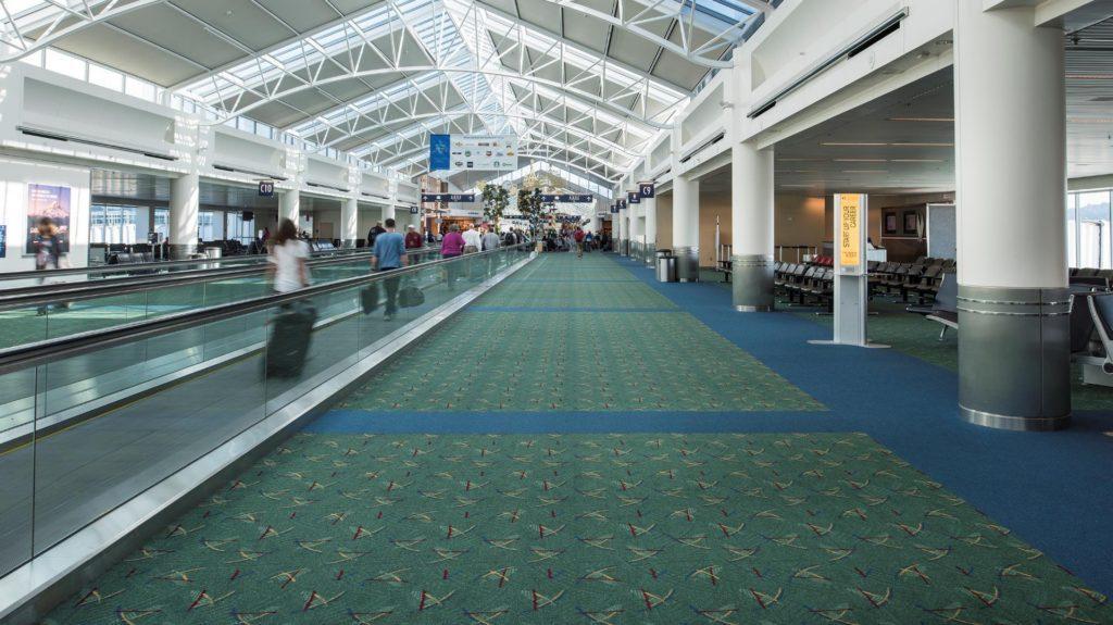 ¿Por qué los aeropuertos utilizan alfombras?