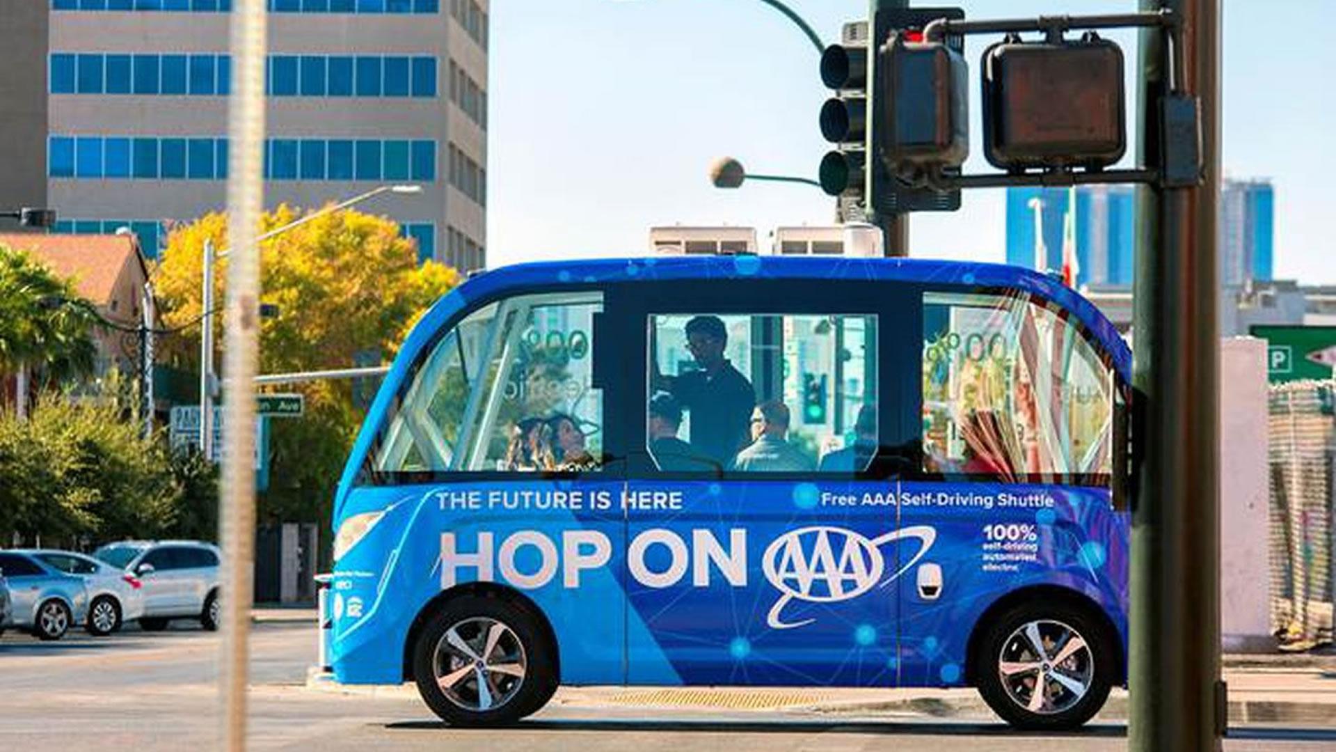 Podemos movernos en Las Vegas en un minibús que se conduce solo