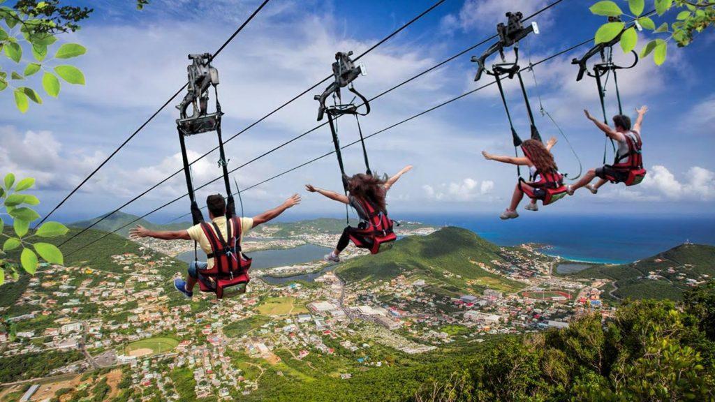El zip line más empinado del mundo inaugura en el Caribe