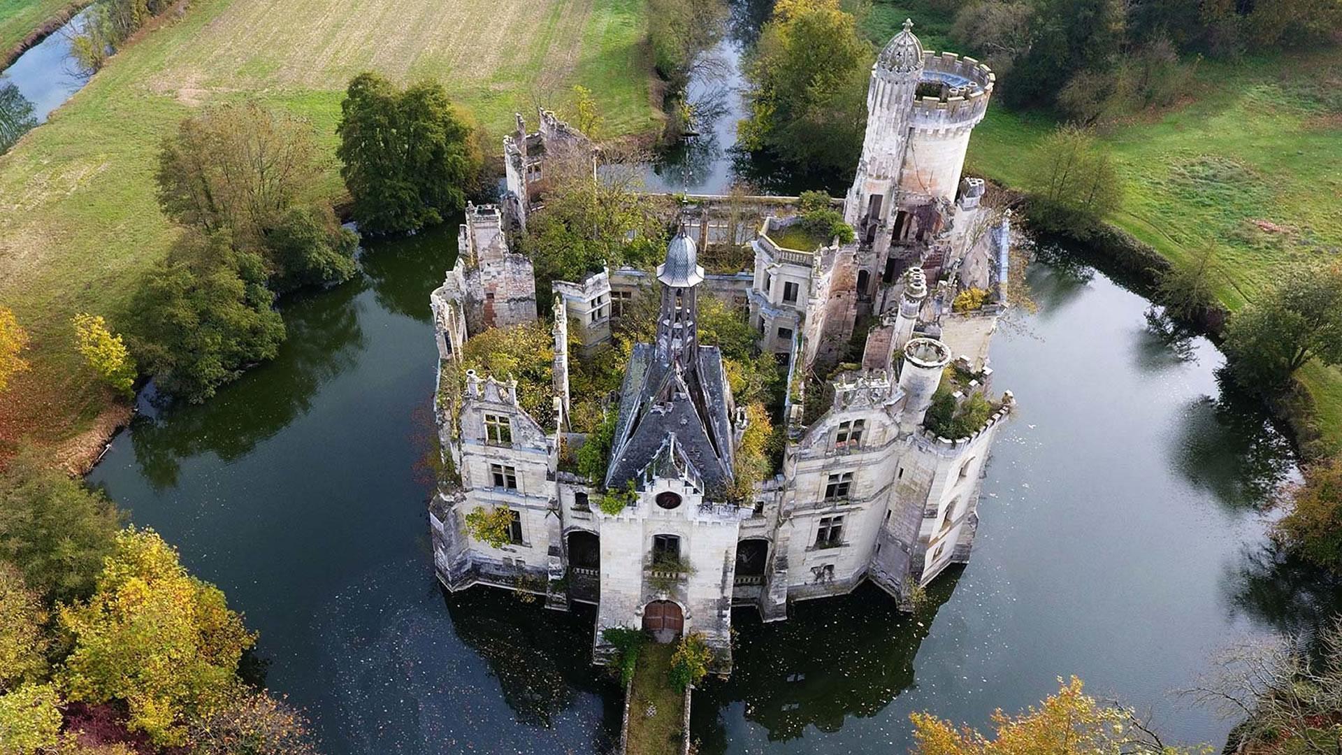 7500 personas compraron este castillo
