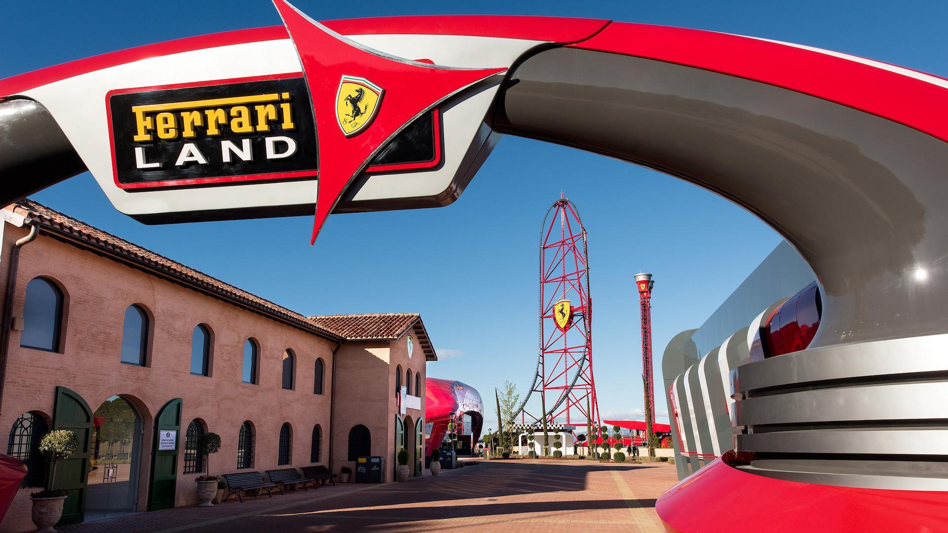 Así es Ferrari Land, el parque temático con la montaña rusa más rápida de Europa