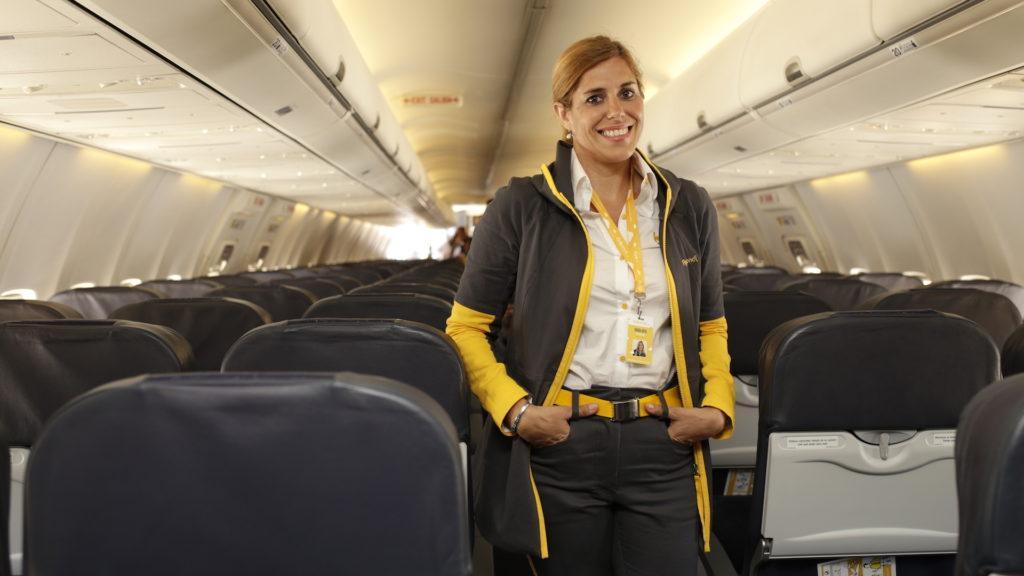 El primer avión de Flybondi.com llegó a la Argentina